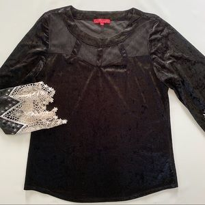 San Francisco black velvet top with lace cuffs